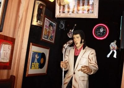Elvis At Sandy's Pizza